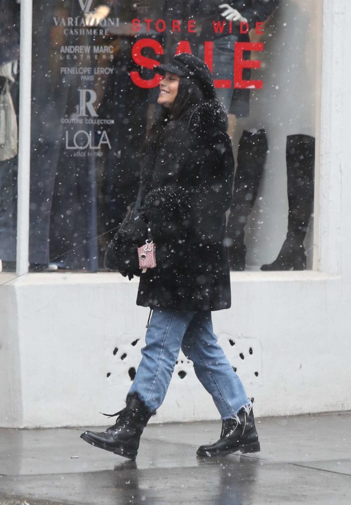 Vanessa Hudgens Walks Under the Snow with Austin Butler in NYC 12/09/2017-2