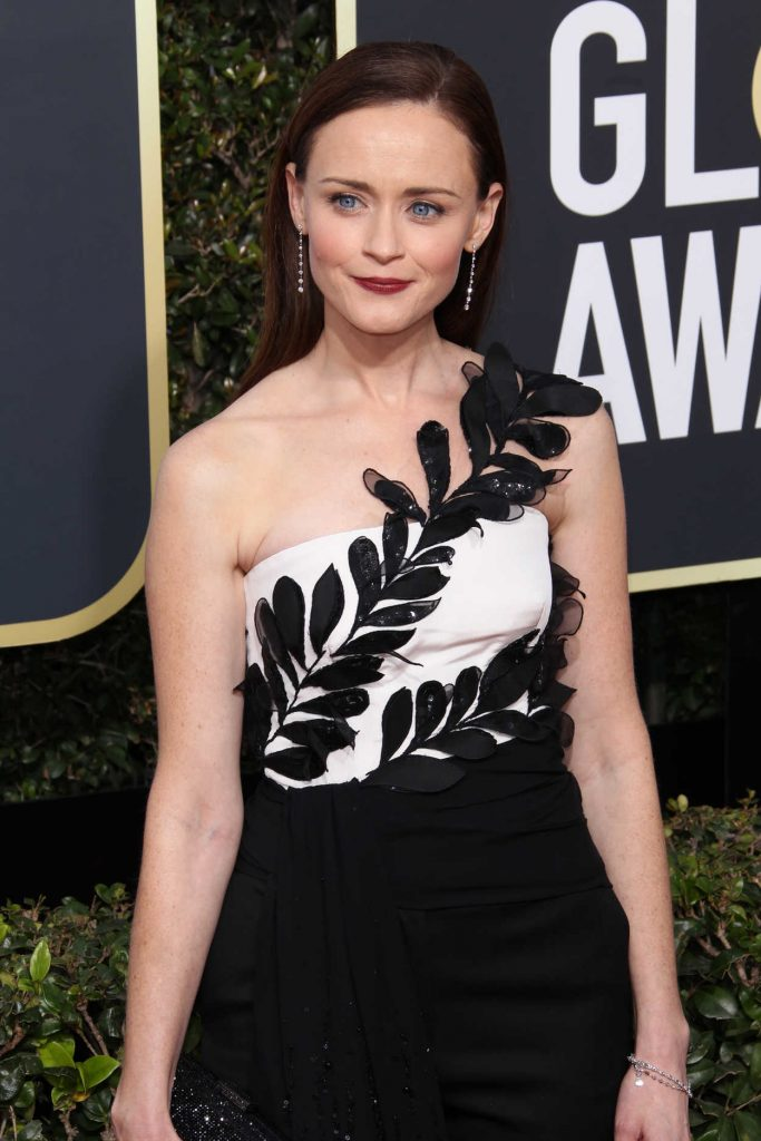 Alexis Bledel at the 75th Annual Golden Globe Awards in Beverly Hills 01/07/2018-3
