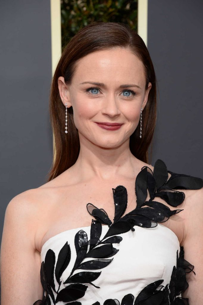 Alexis Bledel at the 75th Annual Golden Globe Awards in Beverly Hills 01/07/2018-5