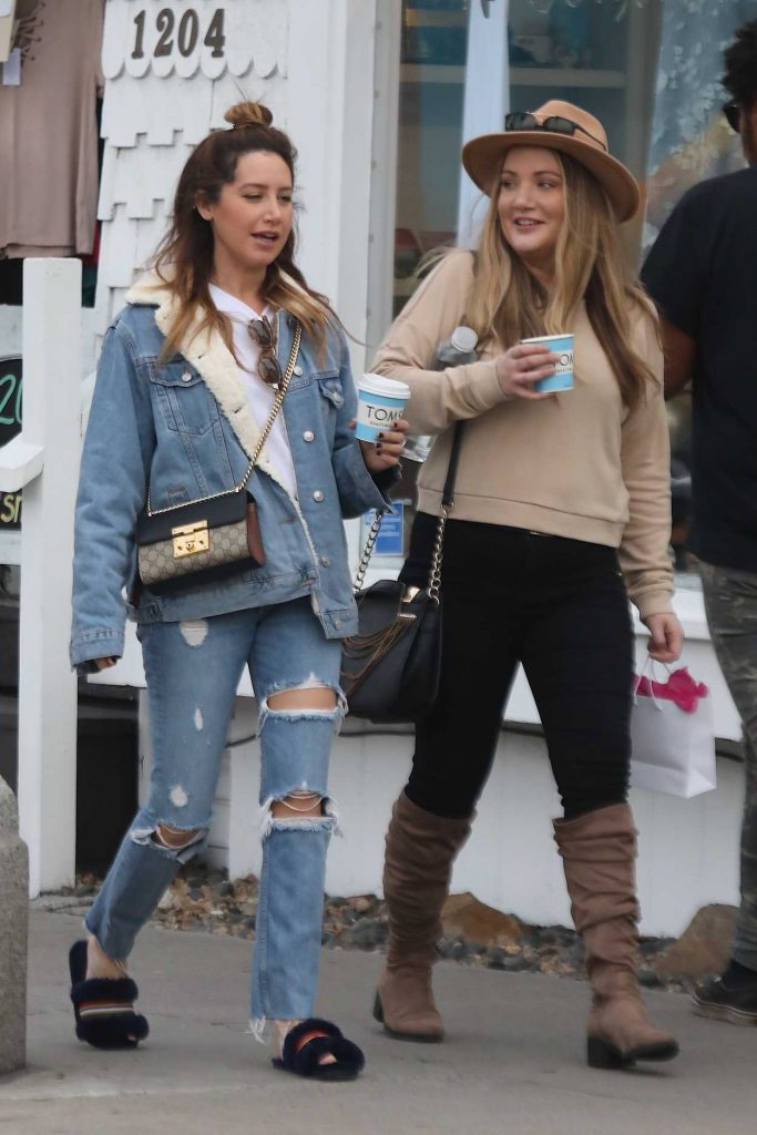 Ashley Tisdale Grabs Coffee with a Friend in Venice 01/16/2018-2