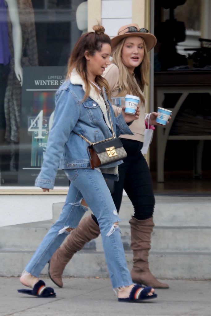 Ashley Tisdale Grabs Coffee with a Friend in Venice 01/16/2018-3