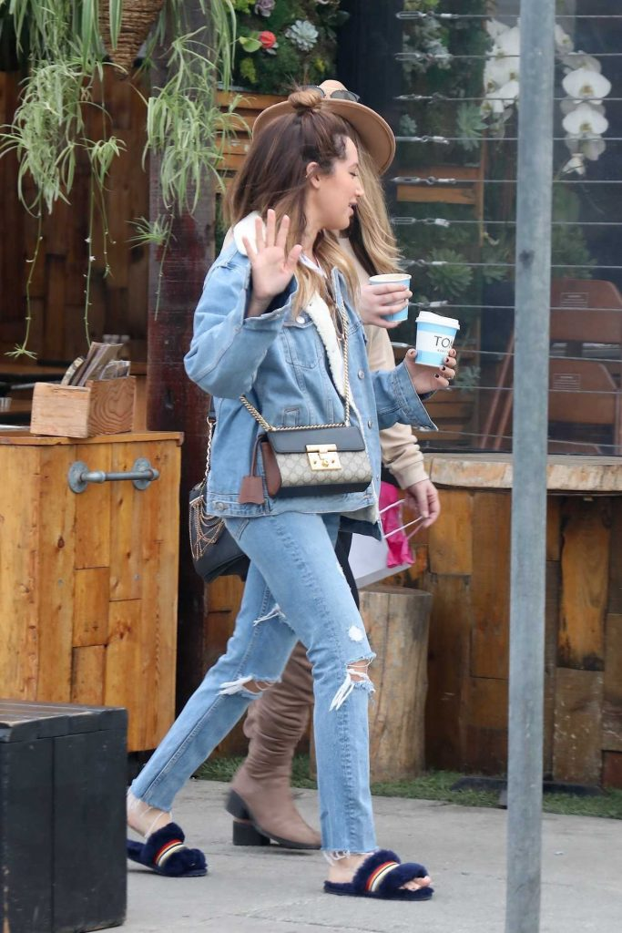 Ashley Tisdale Grabs Coffee with a Friend in Venice 01/16/2018-5