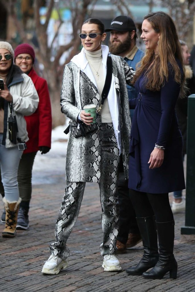 Bella Hadid Was Seen Out in Aspen with Friends 12/30/2017-3