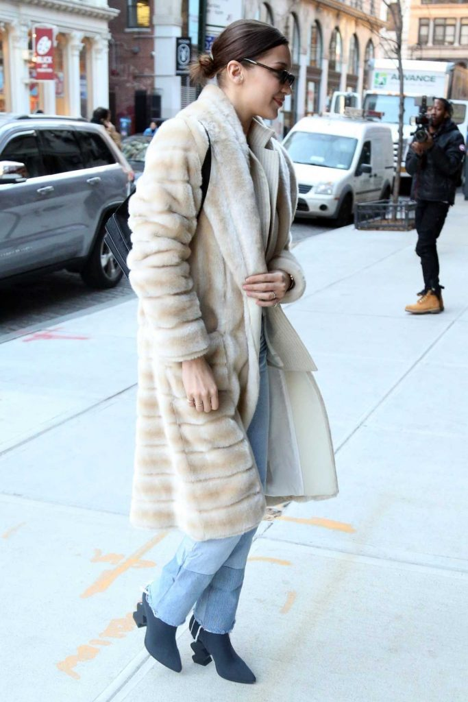 Bella Hadid Was Spotted Out in New York City 01/25/2018-4