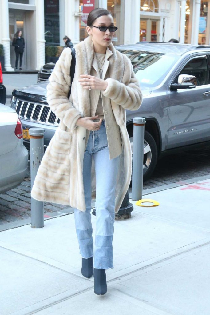 Bella Hadid Was Spotted Out in New York City 01/25/2018-5