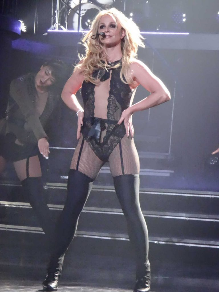 Britney Spears Performs at Planet Hollywood in Las Vegas 12/31/2017-2