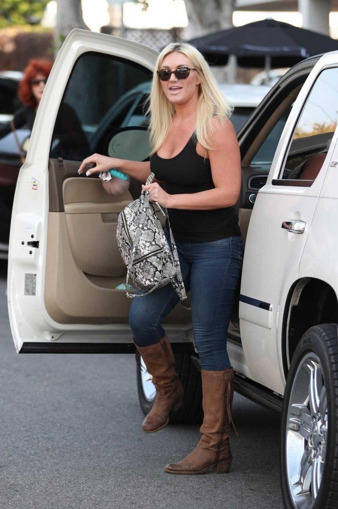 Brooke Hogan Arrives to a Salon in Los Angeles 01/18/2018-1