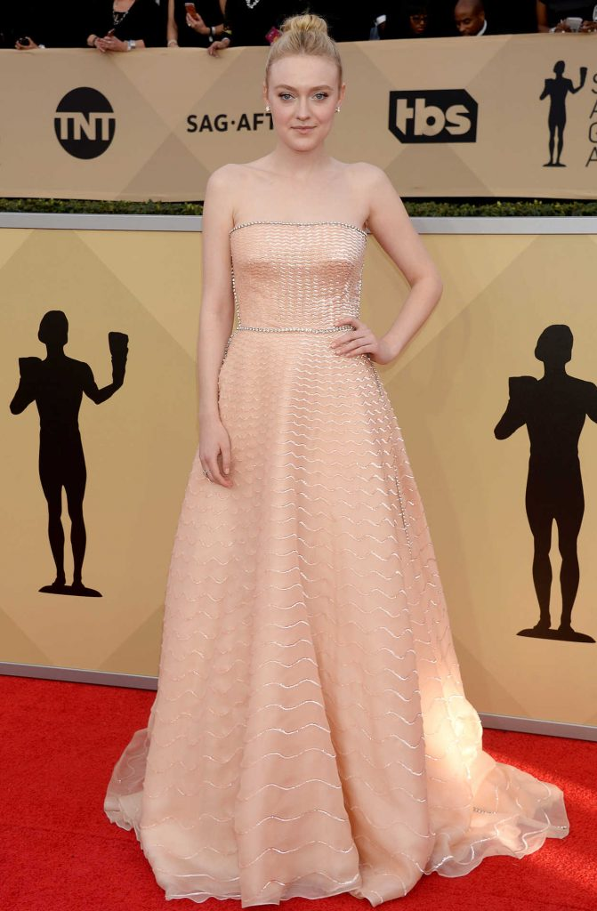 Dakota Fanning at the 24th Annual Screen Actors Guild Awards in Los Angeles 01/21/2018-1