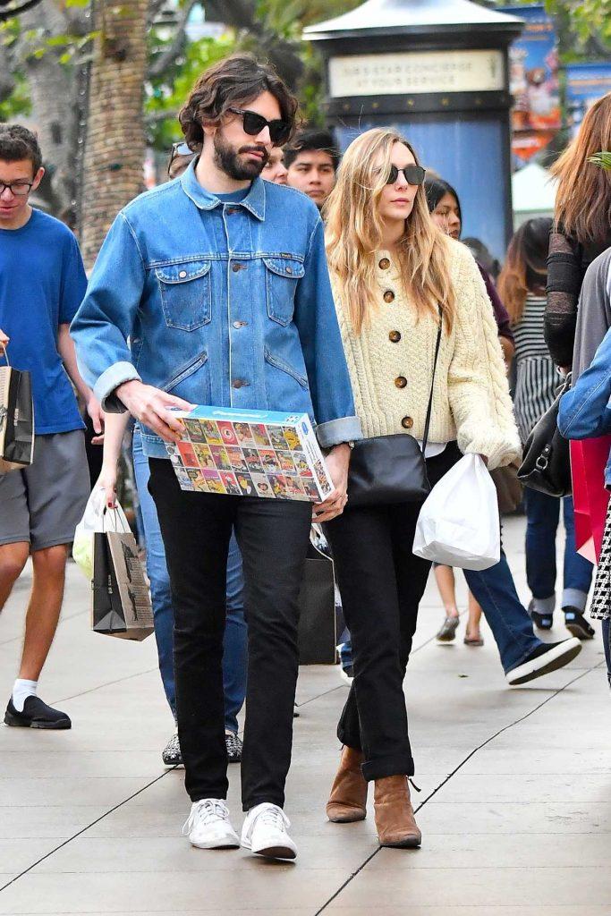 Elizabeth Olsen Was Spotted with Her Boyfriend Robbie Arnett Out in Los Angeles 12/30/2017-2