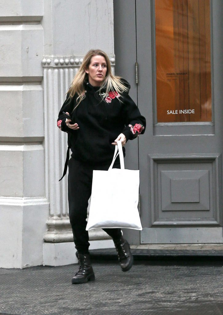 Ellie Goulding Goes Shopping in New York City 01/10/2018-2