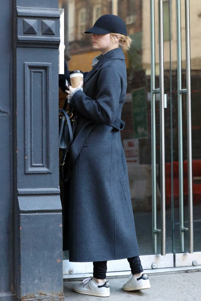 Emma Stone Steps Out in NYC 01/25/2018-1
