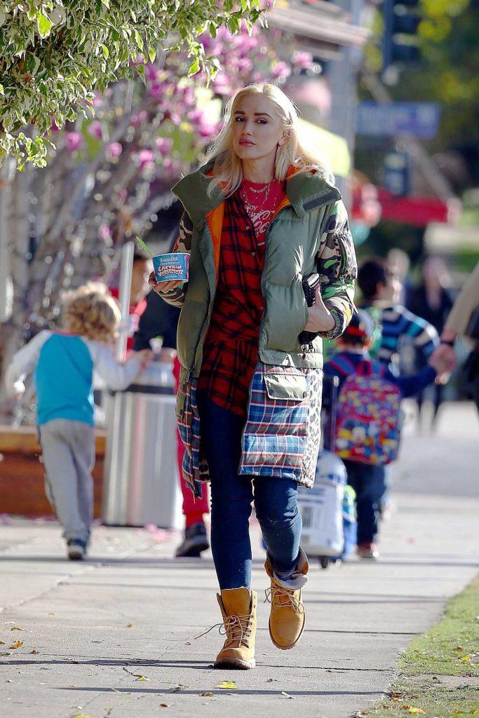 Gwen Stefani Leaves Menchie's Shop in Studio City 01/25/2018-1