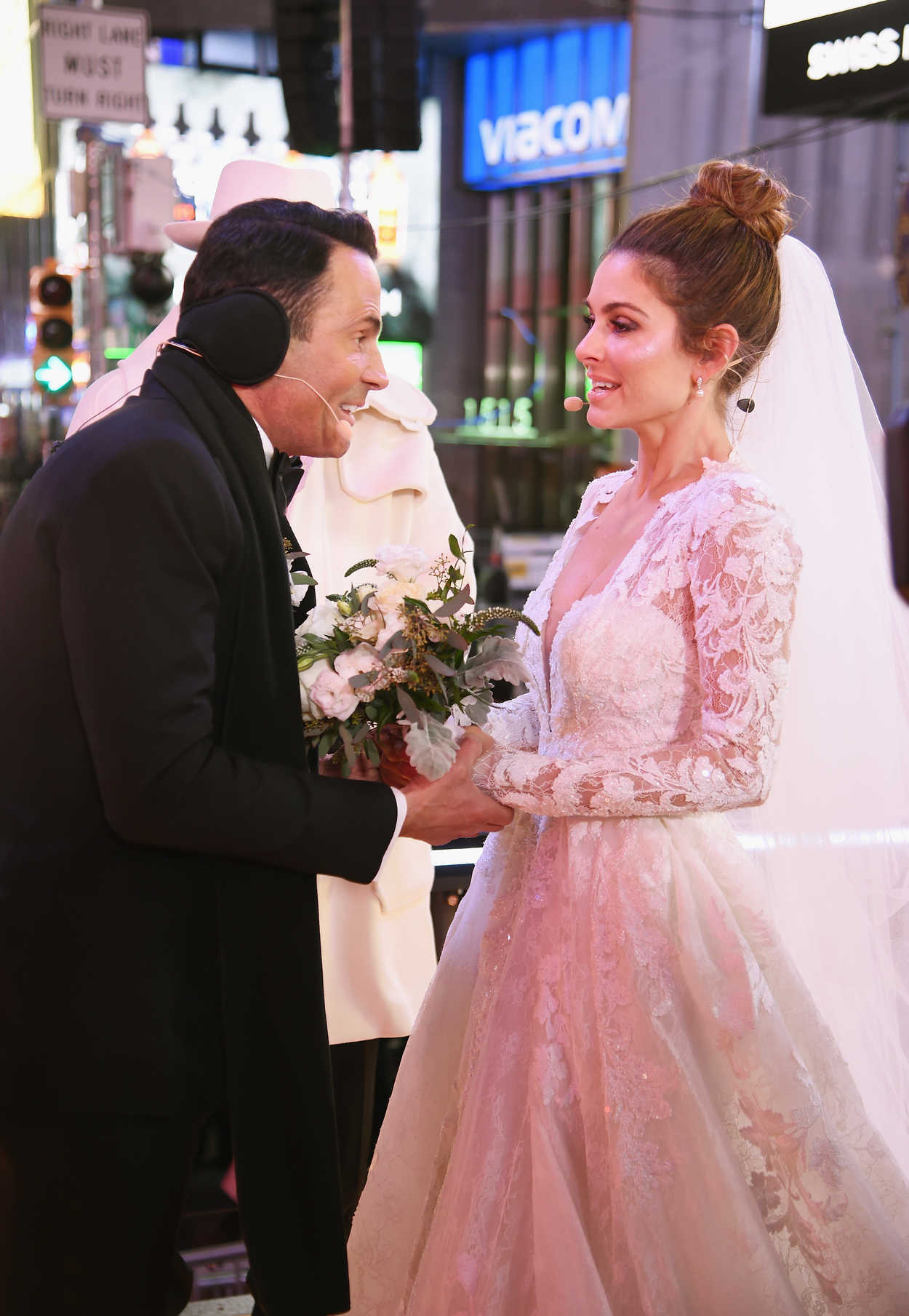Maria Menounos Gets Married on Live TV on New Year's Eve ...
