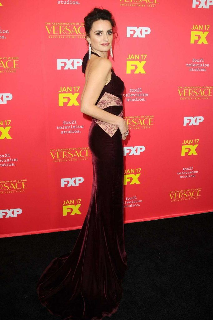 Penelope Cruz at The Assassination of Gianni Versace: American Crime Story Screeneng in Hollywood 01/08/2018-3