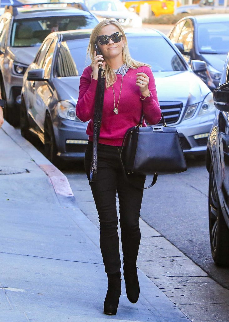 Reese Witherspoon Visits the Doctor in Beverly Hills 01/24/2018-2