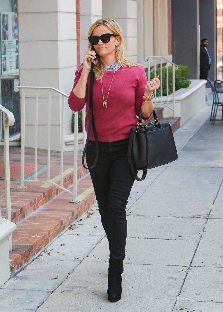 Reese Witherspoon Visits the Doctor in Beverly Hills 01/24/2018-4