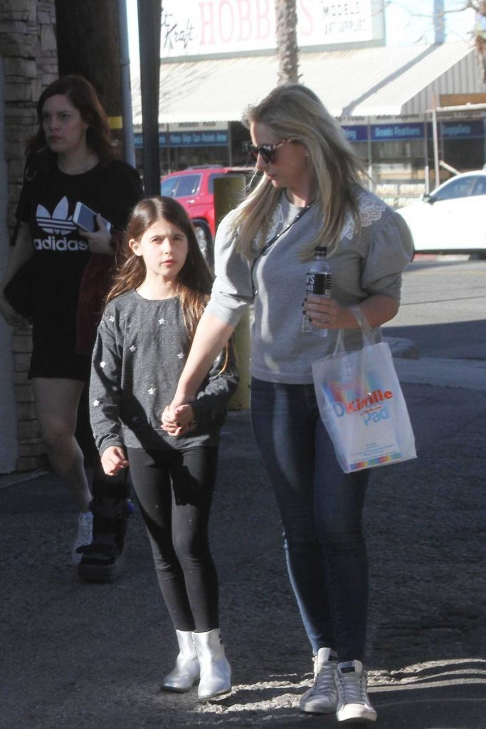 Sarah Michelle Gellar Out with Her Daughter in Studio City 01/27/2018-1