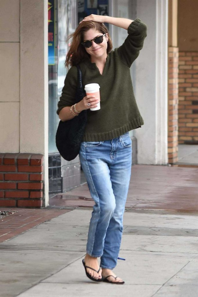 Selma Blair Stops at a Local Gas Station in Studio City 01/08/2018-4