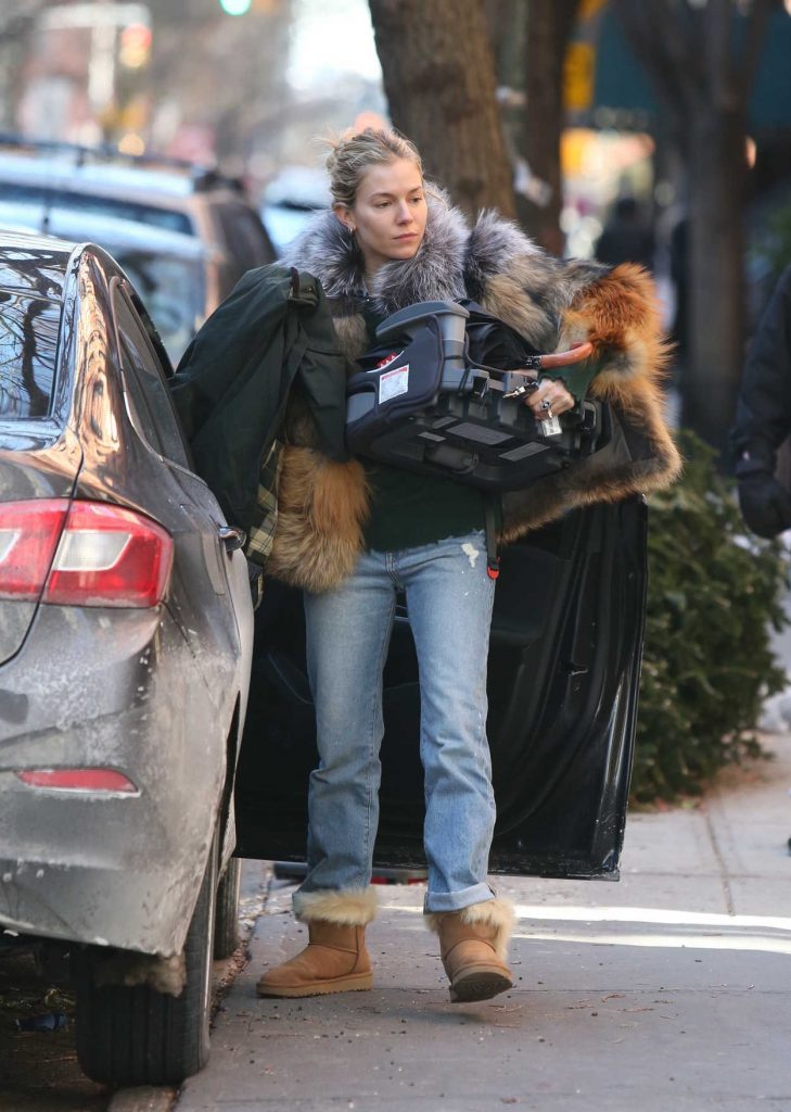 Sienna Miller Was Seen Out in New York City 01/14/2018-2