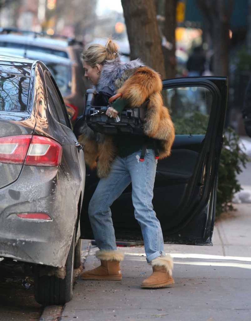 Sienna Miller Was Seen Out in New York City 01/14/2018-3
