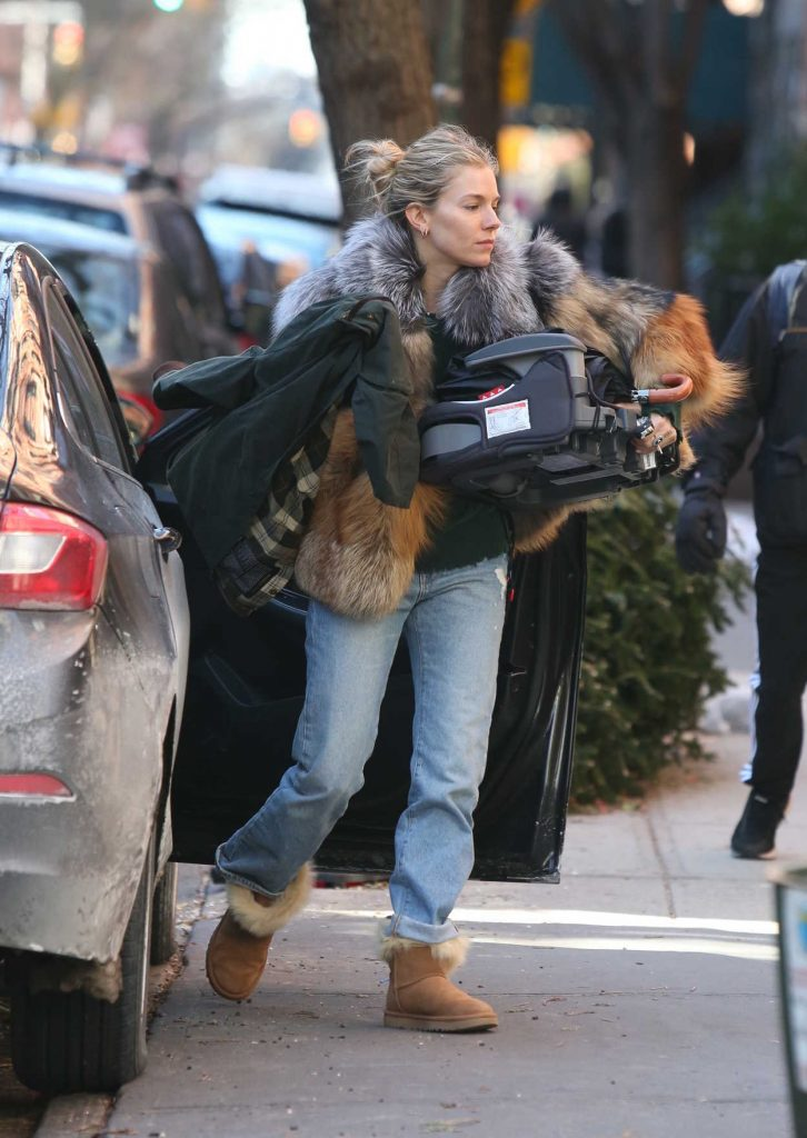 Sienna Miller Was Seen Out in New York City 01/14/2018-4