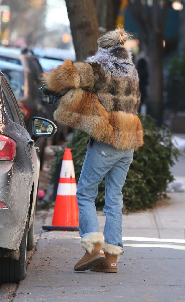 Sienna Miller Was Seen Out in New York City 01/14/2018-5