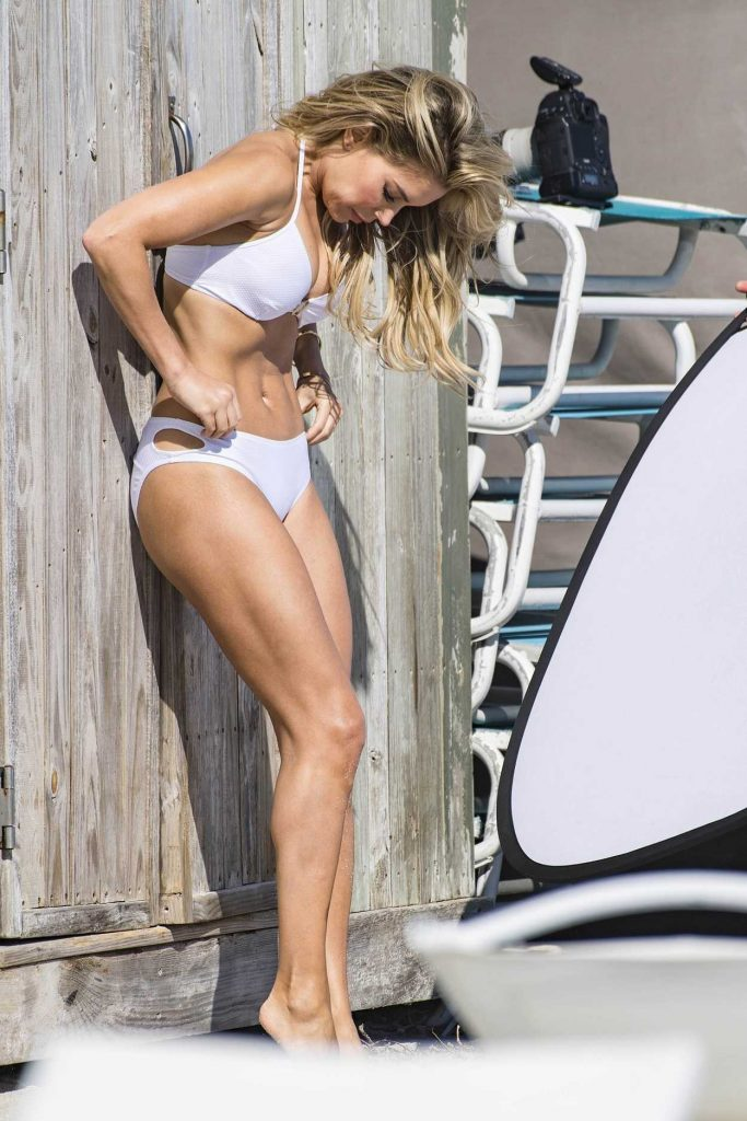 Sylvie Meis Does a Bikini Photo Shoot at the Beach in Miami 01/04/2018-3