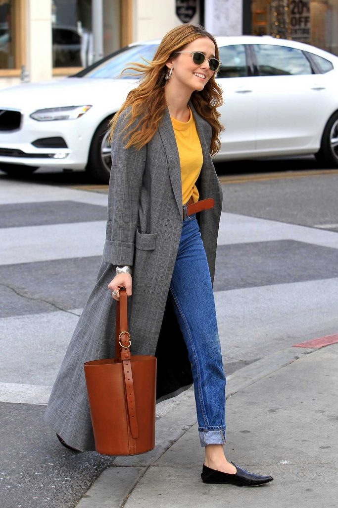 Zoey Deutch Goes Shopping in Beverly Hills 01/03/2018-2