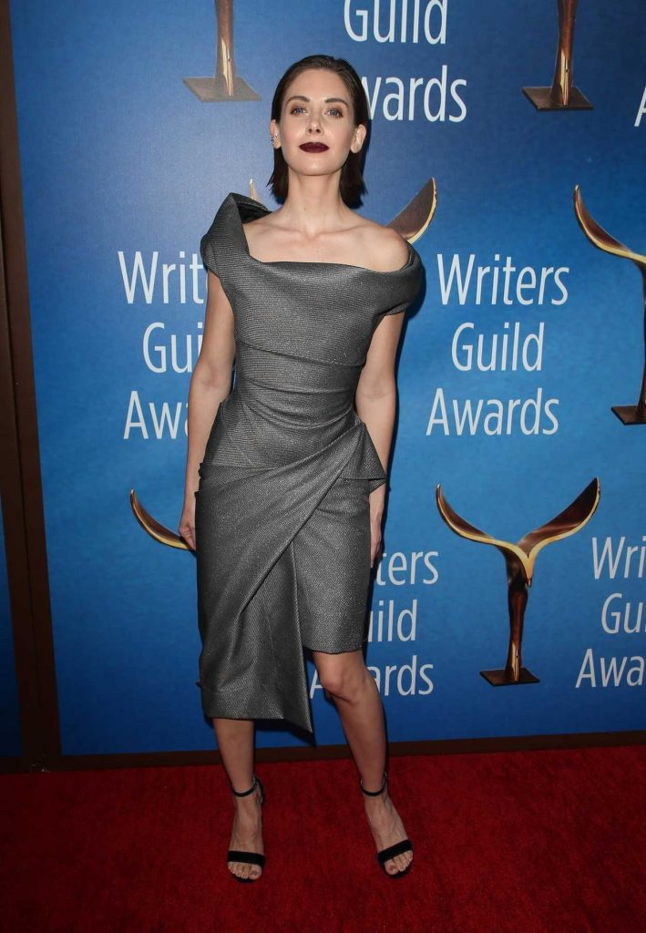 Alison Brie at 2018 Writers Guild Awards LA Ceremony in Beverly Hills 02/11/2018-2