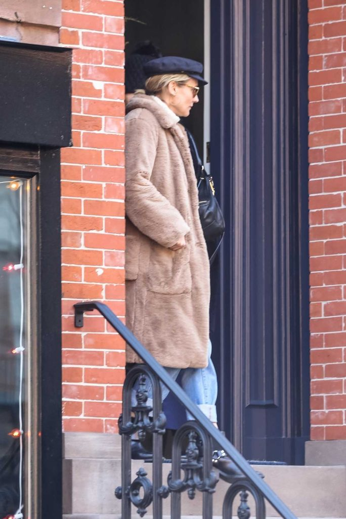 Diane Kruger Was Spotted Out Apartment Hunting in the West Village in New York 02/13/2018-1
