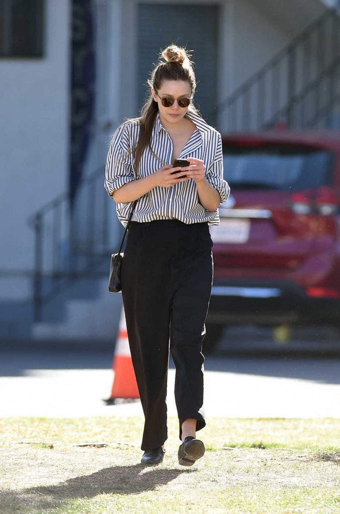 Elizabeth Olsen Was Seen Out in LA 02/08/2018-1
