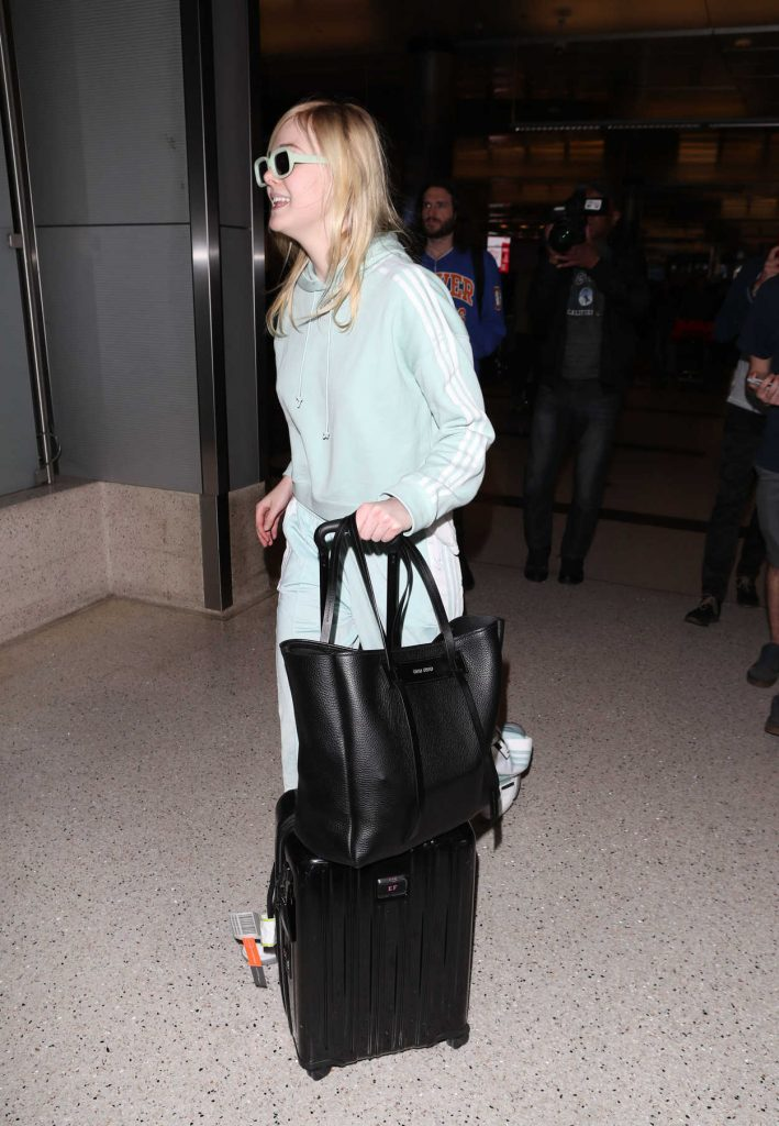 Elle Fanning Was Spotted at LAX Airport as she Returns to Los Angeles 02/21/2018-5