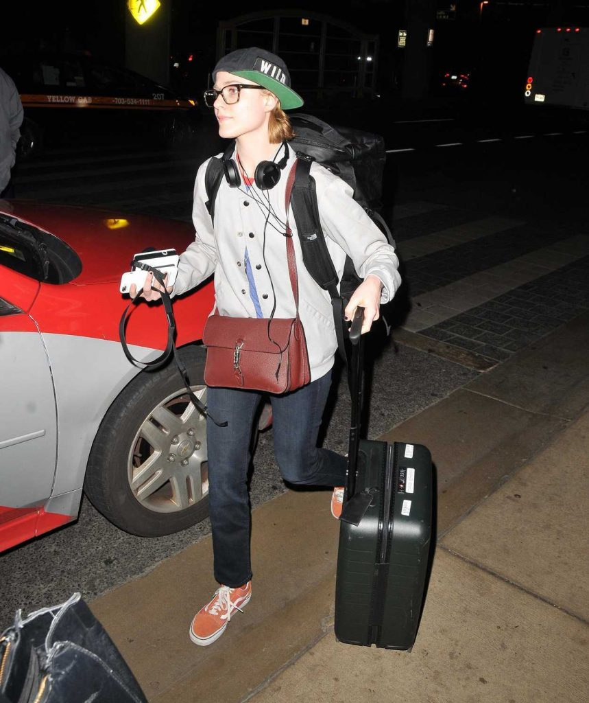 Evan Rachel Wood Lands in Washington 02/26/2018-4