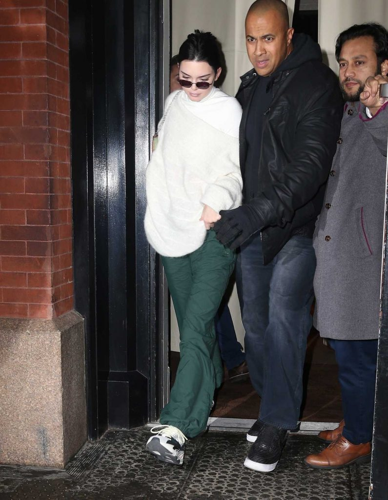 Kendall Jenner Night Out in New York 02/10/2018-1