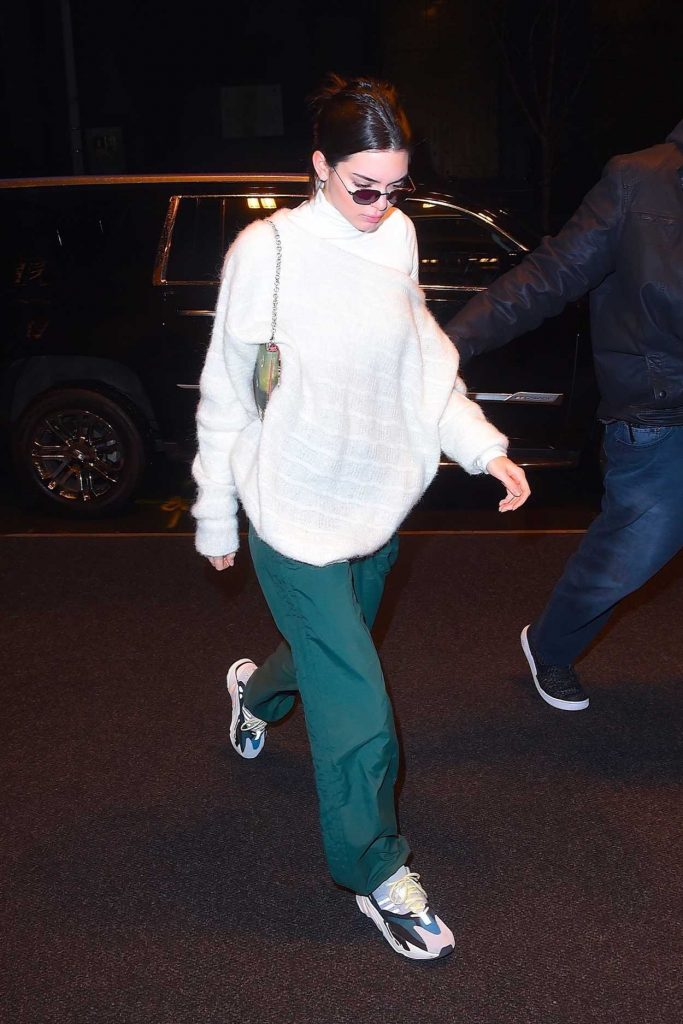 Kendall Jenner Night Out in New York 02/10/2018-4