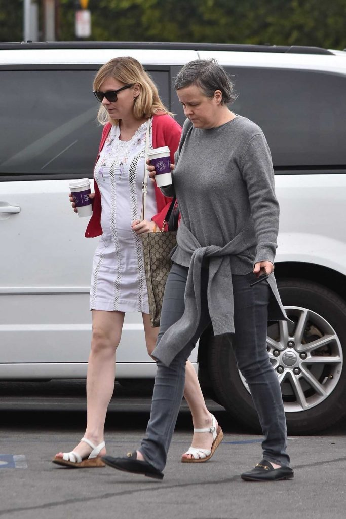 Kirsten Dunst Was Spotted Out in Burbank 02/10/2018-3