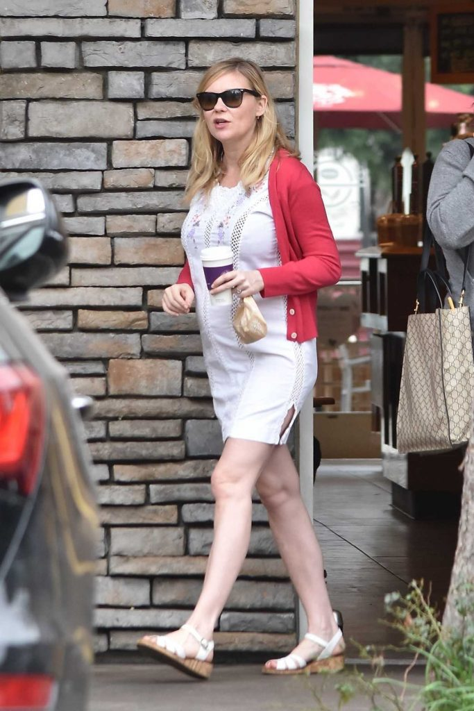 Kirsten Dunst Was Spotted Out in Burbank 02/10/2018-4
