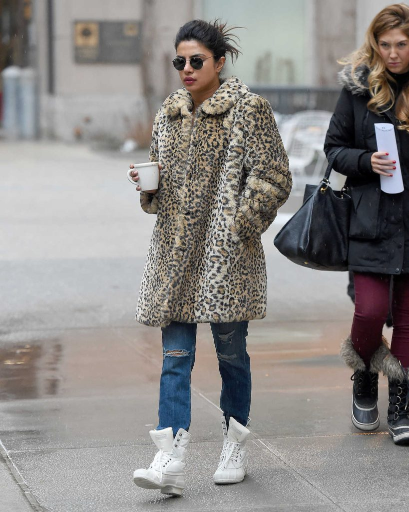 Priyanka Chopra Wears a Leopard Print Coat in New York City 02/07/2018-1