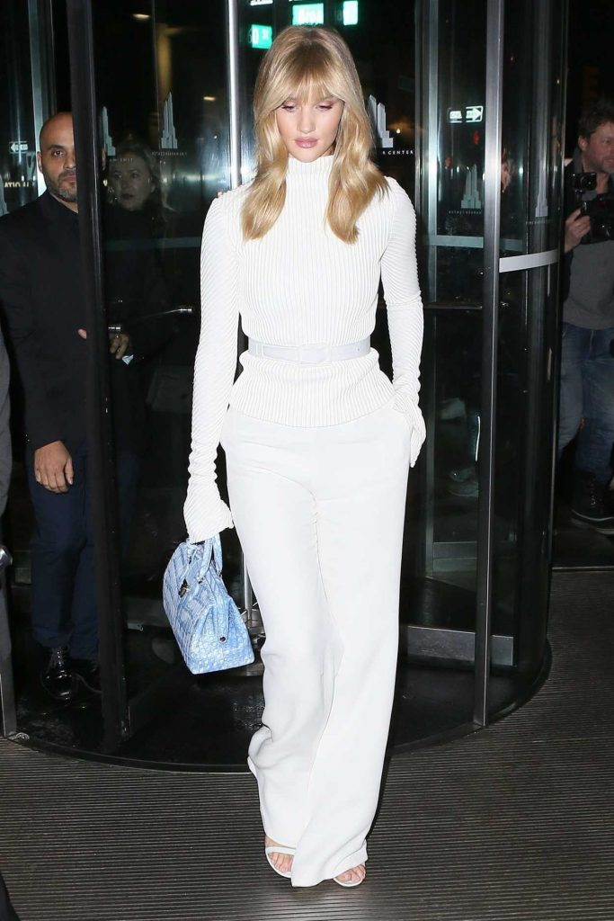 Rosie Huntington-Whiteley Was Seen Out in SoHo in New York City 02/11/2018-1