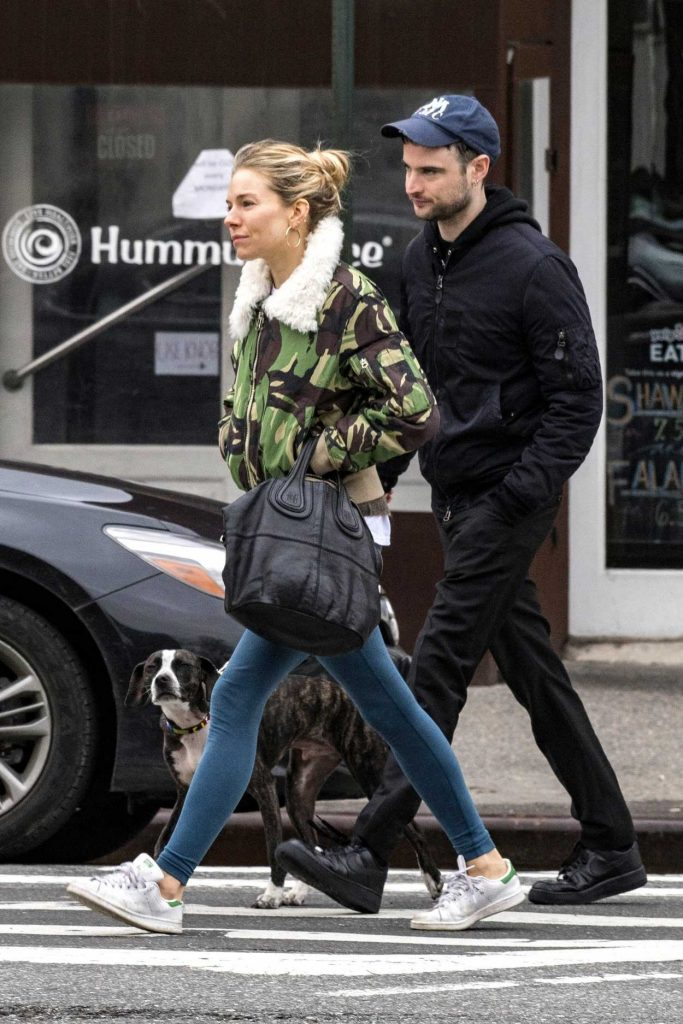 Sienna Miller Was Seen Out with Tom Sturridge in West Village, New York 02/26/2018-4