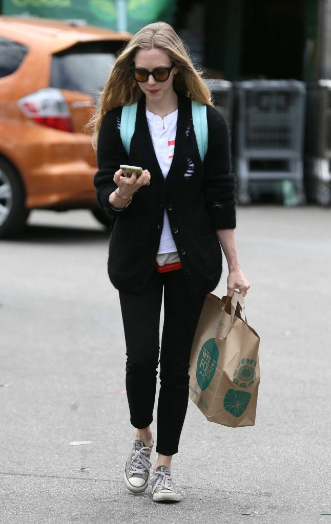Amanda Seyfried Gets Groceries from Whole Foods in Los Angeles 03/16/2018-3