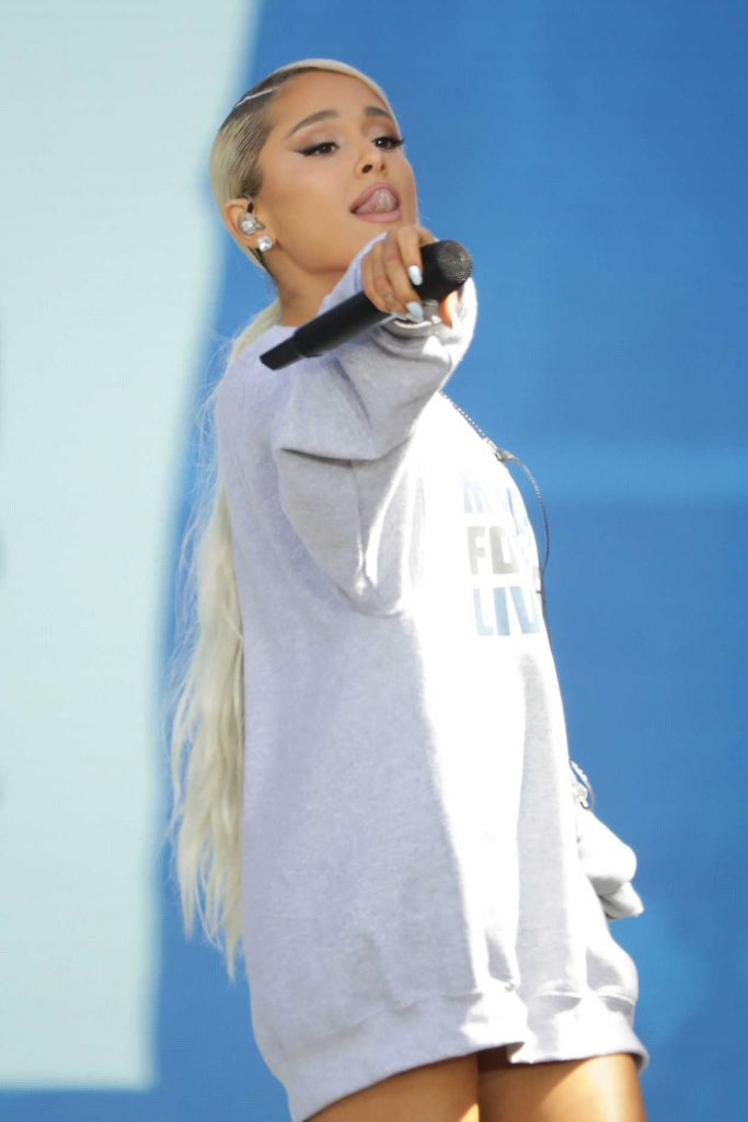 Ariana Grande Performs at the March for Our Lives in Washington 03/24/2018-5
