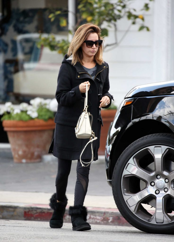 Ashley Tisdale Was Spotted Out in Woodland Hills 02/28/2018-2