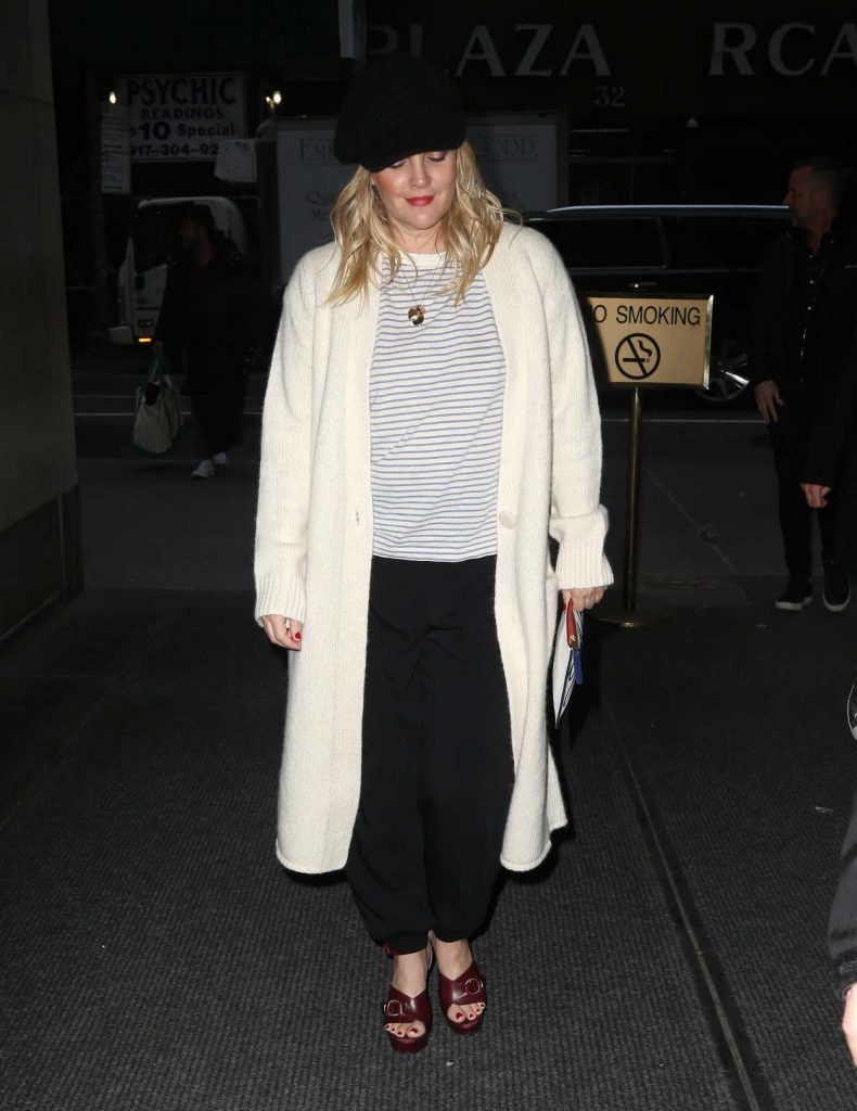 Drew Barrymore Arrives at the Today Show in New York City 03/20/2018-3