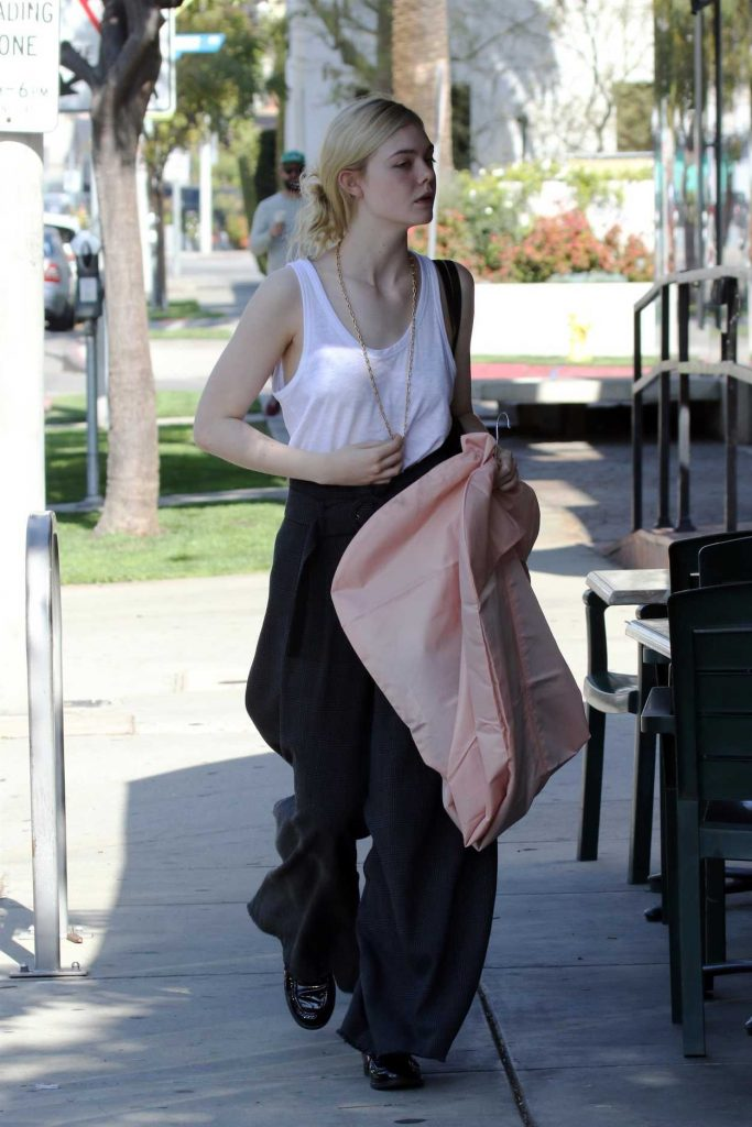 Elle Fanning Leaves Oscar Fitting in LA 02/28/2018-1