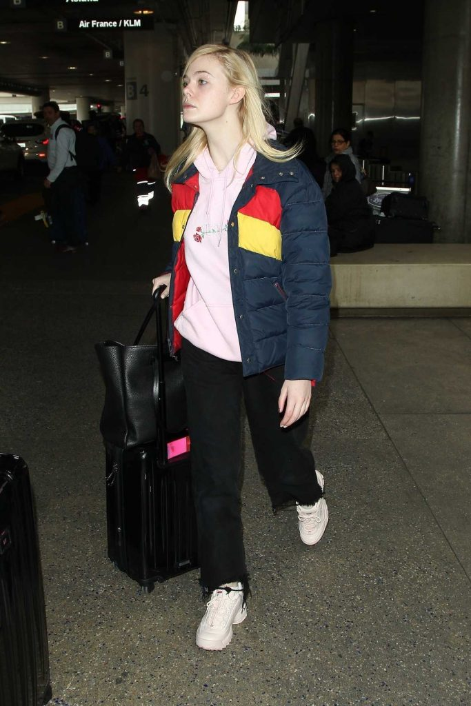 Elle Fanning Was Seen at LAX Airport in Los Angeles 03/07/2018-3