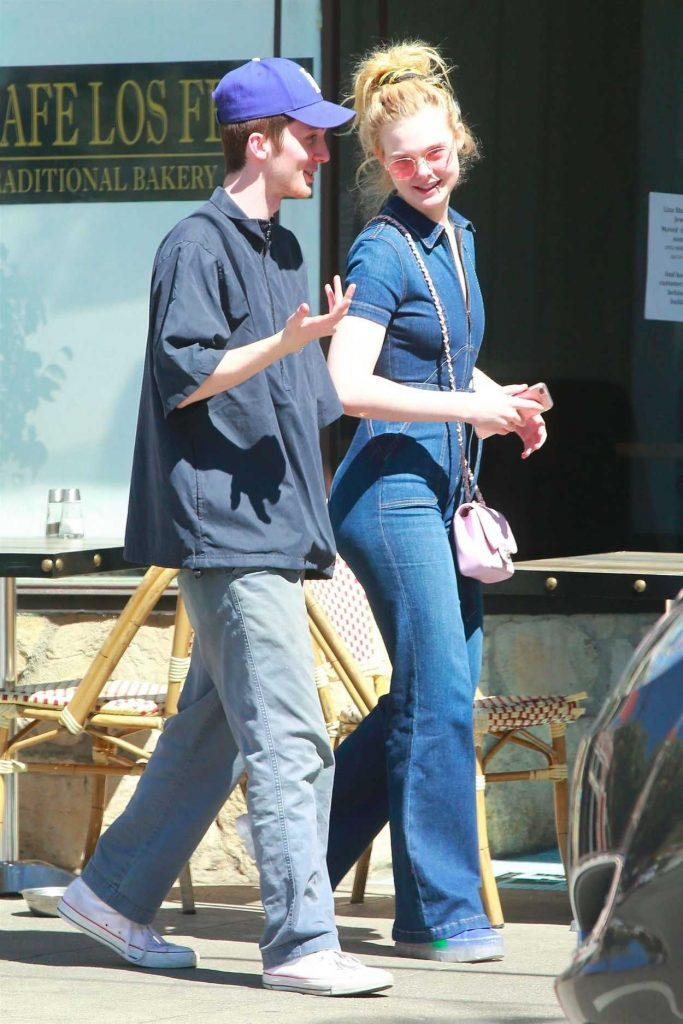 Elle Fanning Was Spotted with a Mystery Guy Out in Los Feliz 03/27/2018-5