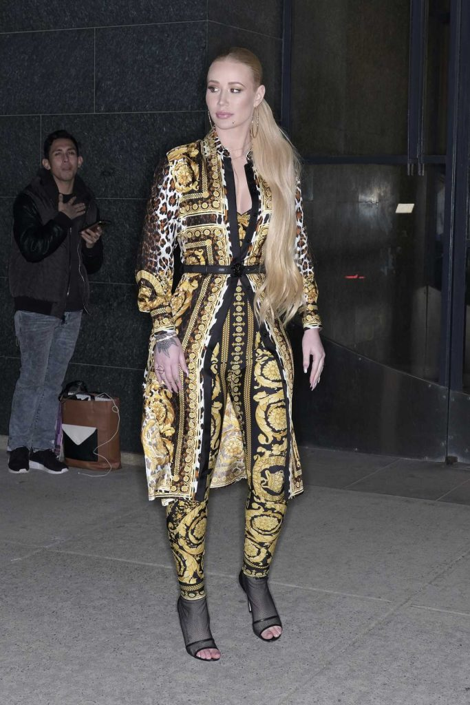 Iggy azalea arrives at the watch what happens live tv show for Tv shows to see in new york