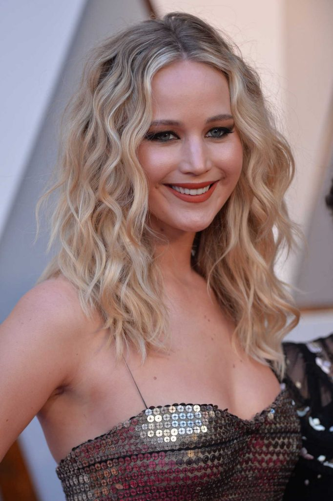Jennifer Lawrence at the 90th Annual Academy Awards in Los Angeles 03/04/2018-5