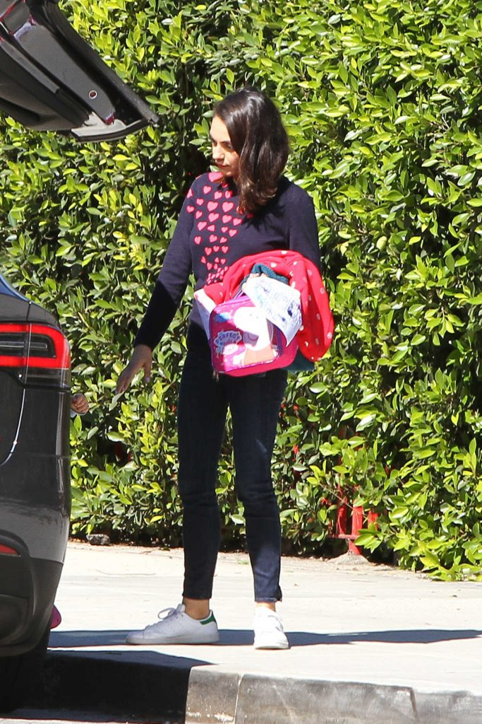 Mila Kunis Was Spotted Out in LA 03/26/2018-2